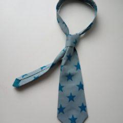 cravate bleue étoiles pour garçon